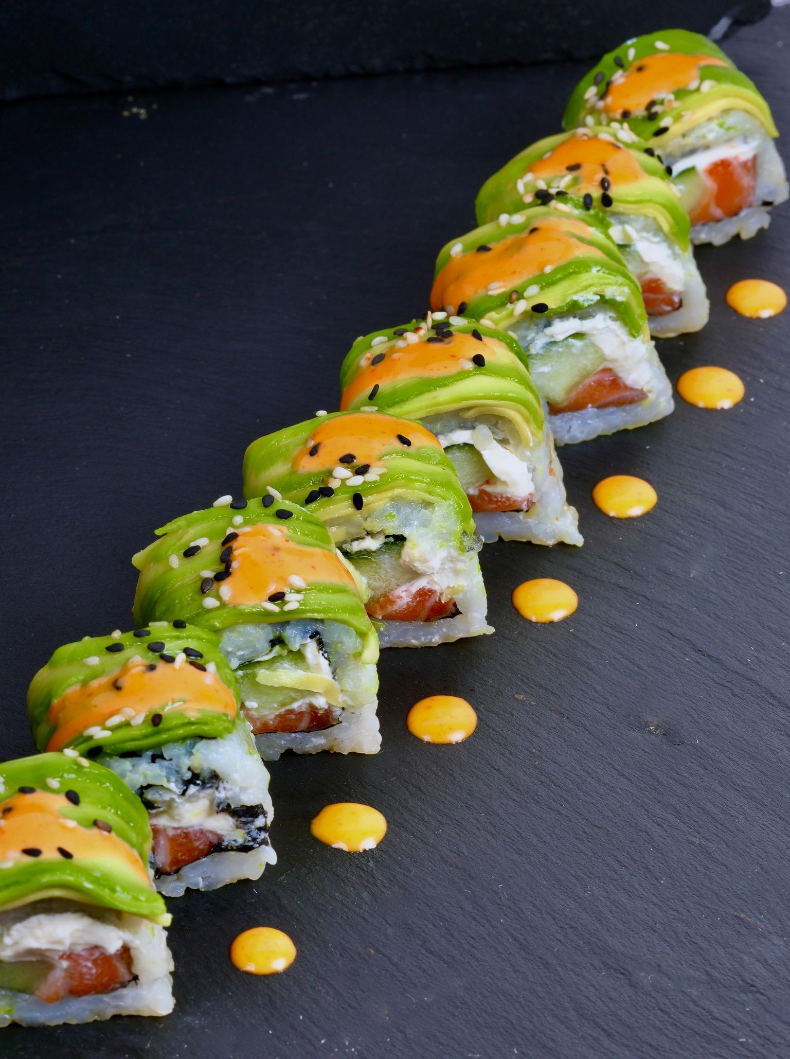 signature dragon saumon roll